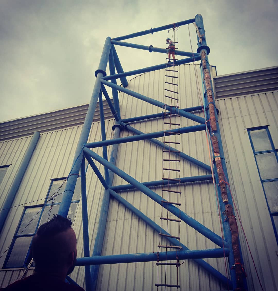 Atelier des échelles, 15m à grimper… En direct de la fête de l'escalade dans le / juste au pied du